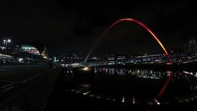 Ponte do milênio de Gateshead video estoque