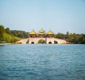 Ponte do pavilhão de Yangzhou cinco imagem de stock