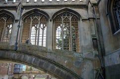 A ponte do suspiro na faculdade de St John, Cambridge Imagens de Stock Royalty Free
