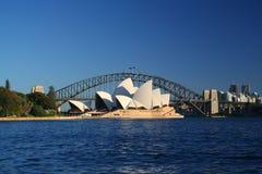 Ponte do teatro da ópera e do porto de Sydney fotos de stock