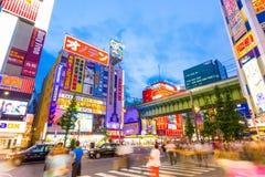 Ponte do trem de Akihabara Main Street do Tóquio hética Fotografia de Stock Royalty Free