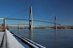 Ponte do trem de céu, ponte de Pattullo e trilha de estrada de ferro Foto de Stock Royalty Free