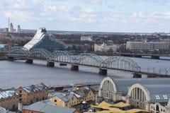 Ponte do trilho sobre o Daugava do rio Imagem de Stock