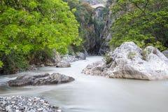 Ponte dos desfiladeiros e do diabo de Raganello, Calabria (Itália) Foto de Stock