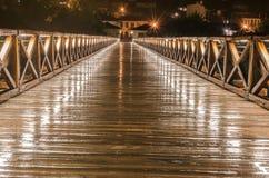 Ponte durante la notte piovosa e la sua bellezza Immagine Stock Libera da Diritti