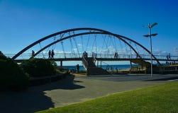 Ponte e céu azul fotografia de stock