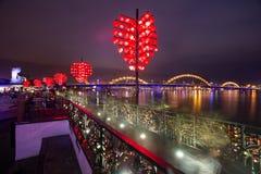 Ponte e Dragon River Bridge Rong Bridge do amor no Da Nang foto de stock