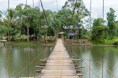 Ponte e estrada no meio do lago Fotos de Stock