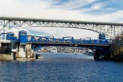 Ponte e George Washington Memorial Bridge de Fremont foto de stock royalty free
