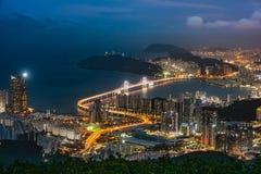 Ponte e Haeundae di GwangAn alla notte a Busan, Corea Immagini Stock Libere da Diritti
