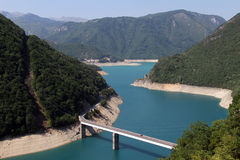 Ponte e lago Piva Foto de Stock