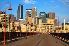 Ponte e Minneapolis de pedra do arco imagens de stock