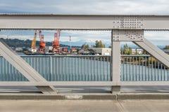 Ponte e più piovoso fotografia stock