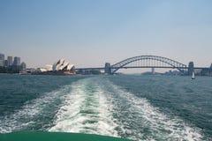 Ponte e teatro dell'opera del porto Immagine Stock