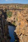 Ponte em Bourke Luck Potholes, garganta do rio de Blyde, África do Sul Imagens de Stock Royalty Free