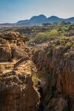 Ponte em Bourke Luck Potholes, garganta do rio de Blyde, África do Sul Fotografia de Stock