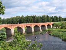 Ponte em Kuldiga, Latvia fotos de stock royalty free