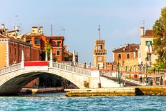 Ponte em Riva San Biasio em Veneza perto do arsenal Venetian imagens de stock