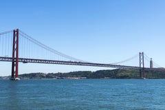 Ponte em Tagus River, Lisboa, Portugal Imagem de Stock Royalty Free