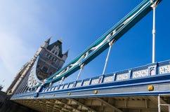 Ponte em um dia ensolarado, Reino Unido da torre de Londres Fotografia de Stock Royalty Free