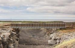 Ponte entre continentes, Islândia fotografia de stock