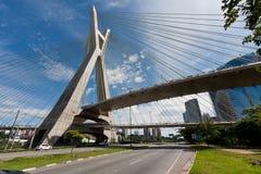 Ponte Estaiada - São Paulo, Brasilien Arkivfoto