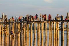 Ponte famosa de U-Bein em Amarapura perto de Mandalay, Myanmar Foto de Stock