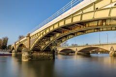 Ponte ferroviario a Richmond nella mattina di inverno, Londra fotografia stock