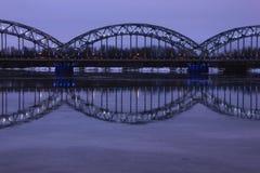 Ponte ferroviario - Riga, Lettonia Immagini Stock Libere da Diritti