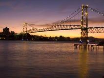 A ponte Hercilio Luz é um do brid o maior foto de stock