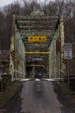 Ponte histórica do moinho dos Pollocks - Pensilvânia rural fotografia de stock royalty free