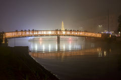 Ponte iluminada no enbakment no tempo do Xmas, Milão de Darsena, Itália Fotos de Stock