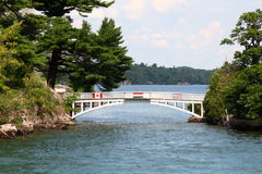 A ponte internacional a mais curta no mundo Fotografia de Stock Royalty Free