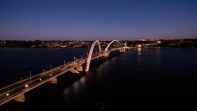 Ponte JK bij schemer in Brasilia Stock Fotografie