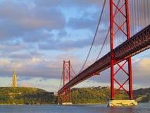 Ponte a Lisbona Immagini Stock