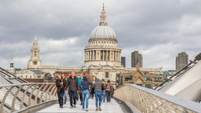Ponte Londen Regno Unito di Milenium Fotografie Stock Libere da Diritti