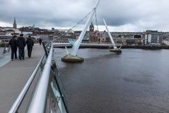 Ponte Londonderry Irlanda do Norte da paz Fotos de Stock Royalty Free