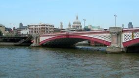 Ponte a Londra, Regno Unito fotografie stock libere da diritti