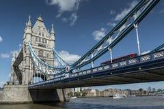 Ponte Londres Inglaterra da torre Imagens de Stock Royalty Free
