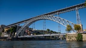 Ponte Luiz I/Dom Luis I Brug op Douro-Rivier, Porto, Portugal royalty-vrije stock afbeelding