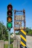 Ponte mobile di Rvier e semaforo Fotografie Stock Libere da Diritti