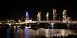 Ponte moderno nella città storica di Kampen, Paesi Bassi Fotografie Stock