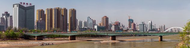 Ponte na cidade de Lanzhou, China Foto de Stock Royalty Free