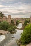Ponte na cidade medieval de Toledo Imagens de Stock Royalty Free