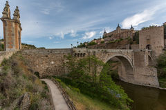 Ponte na cidade medieval de Toledo Foto de Stock Royalty Free