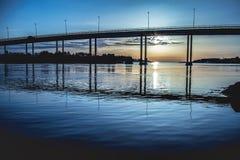 Ponte nel tramonto a Stavanger fotografia stock libera da diritti