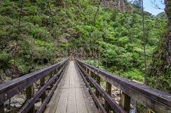 Ponte no desfiladeiro de Karanghake foto de stock
