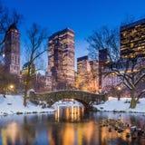 Ponte no inverno, Central Park de Gapstow Imagens de Stock