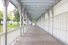 A ponte no palácio da dor do golpe na província de Ayutthaya Fotos de Stock