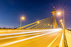 Ponte no por do sol de Nonthaburi Tailândia foto de stock royalty free